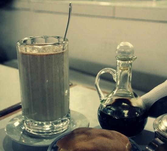 typischer Kaffee auf dem San Pedro-Markt